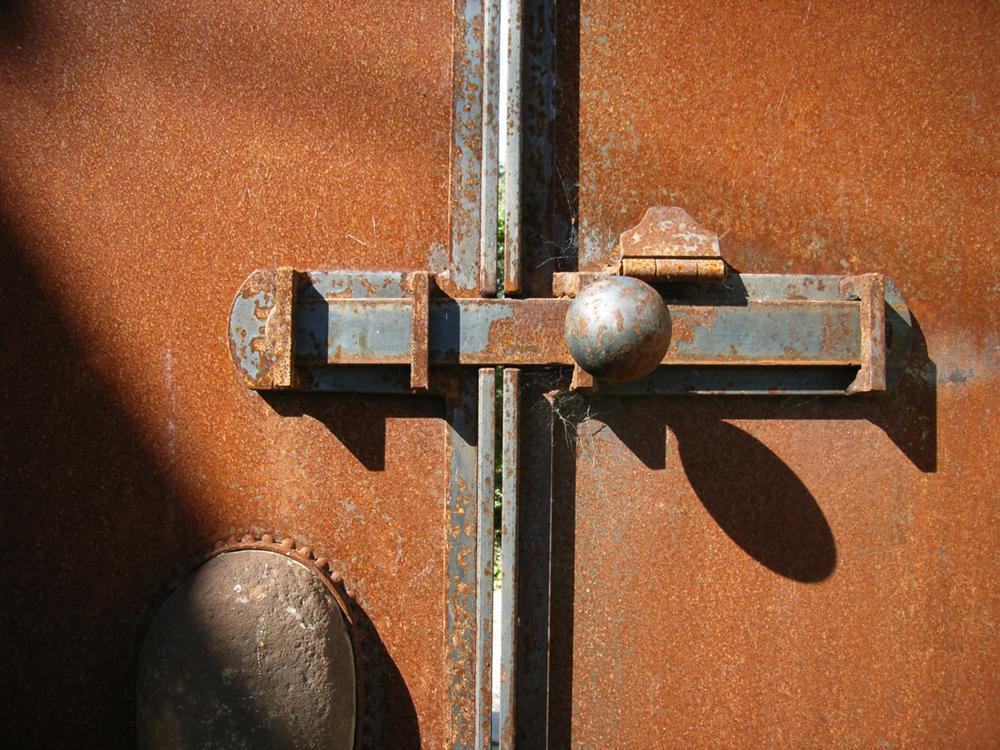 DoorBolt-Web.jpg