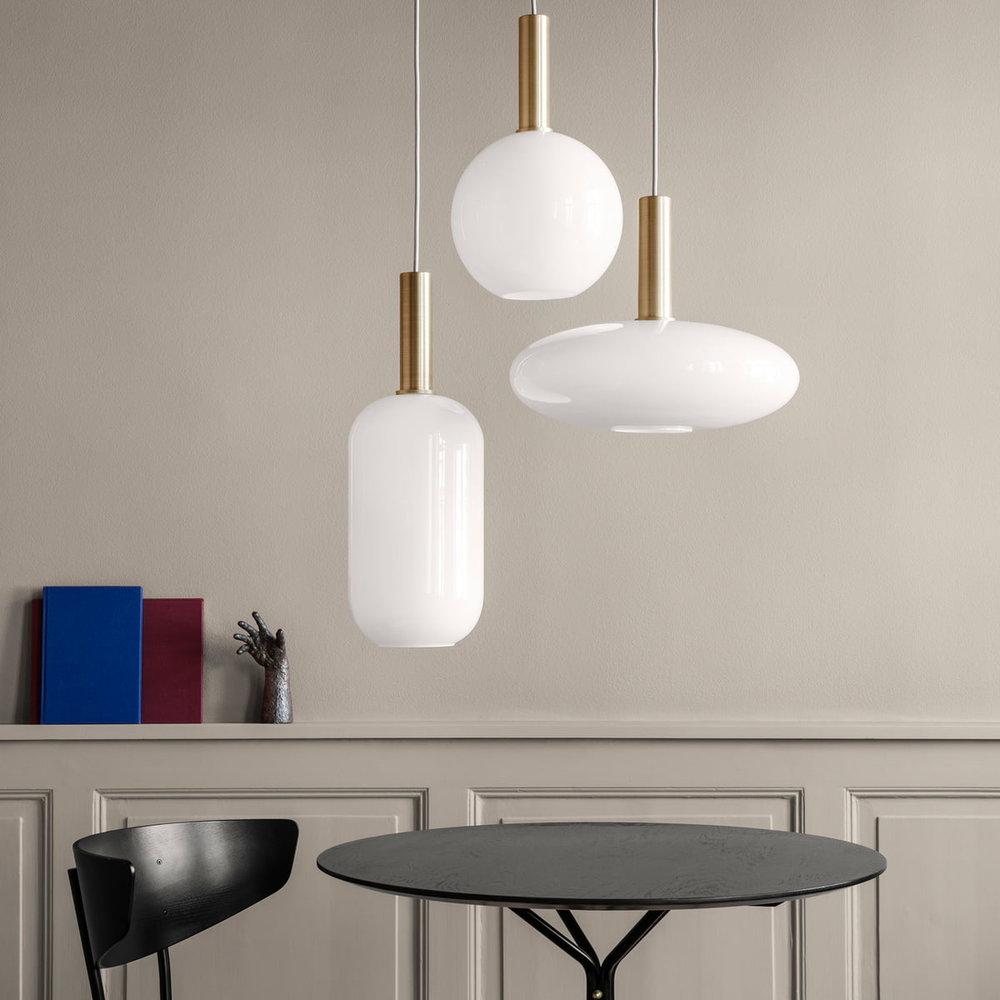 ferm-Living-Opal-Shade-Lampenschirm-Sphere-Ellipse-Tall-Ambiente.jpg