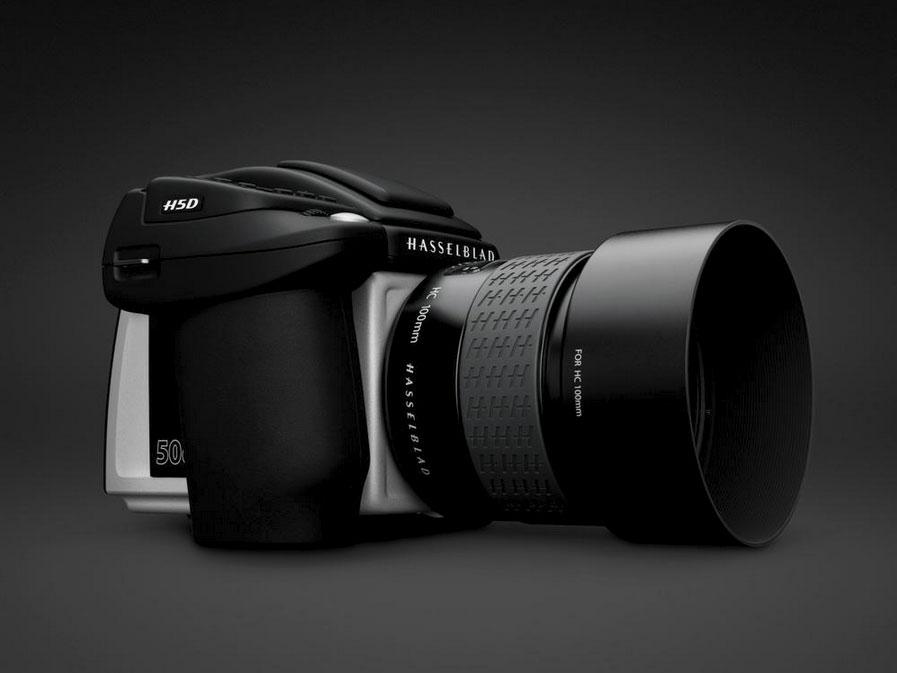So präsentiert sich das Hasselblad H-System heute: exzellente Mittelformat-Digitalkameras mit Auflösungen von 40 bis 200 Megapixeln. Im Bild sehen Sie die neue Hasselblad H5D, die erste Mittelformatkamera mit einem CMOS-Sensor.