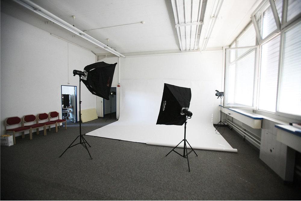 Unser Fotostudio mit den zwei Profoto B1 ist bereit