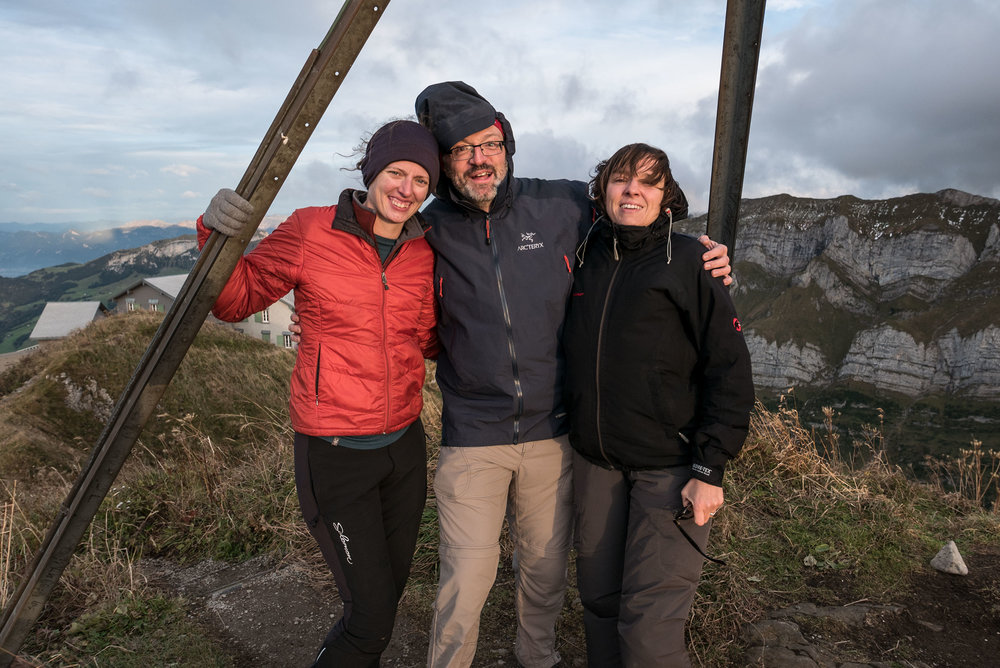 Sturm auf dem Schäfler // Storm on the Schäfler: Denise, myself and Ursula