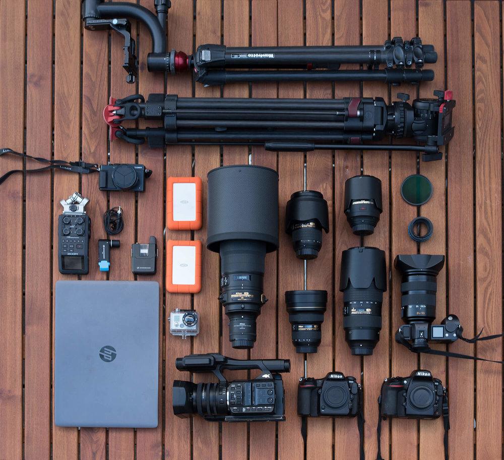 Manche Fotojobs sind sehr materialintensiv. Hier das Equipment, das wir für unseren letzten Alaskatrip im Einsatz hatten.