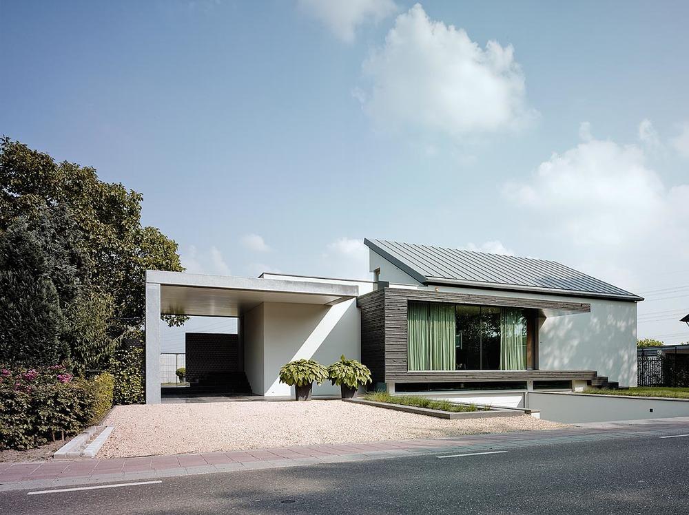 Split level bungalow new style josette erik bob manders for Interieur huizen