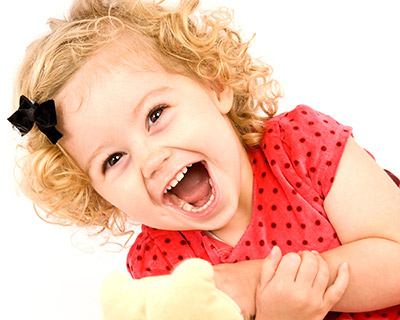 toddler-giggles-portrait-photography_aboutuphotography.jpg