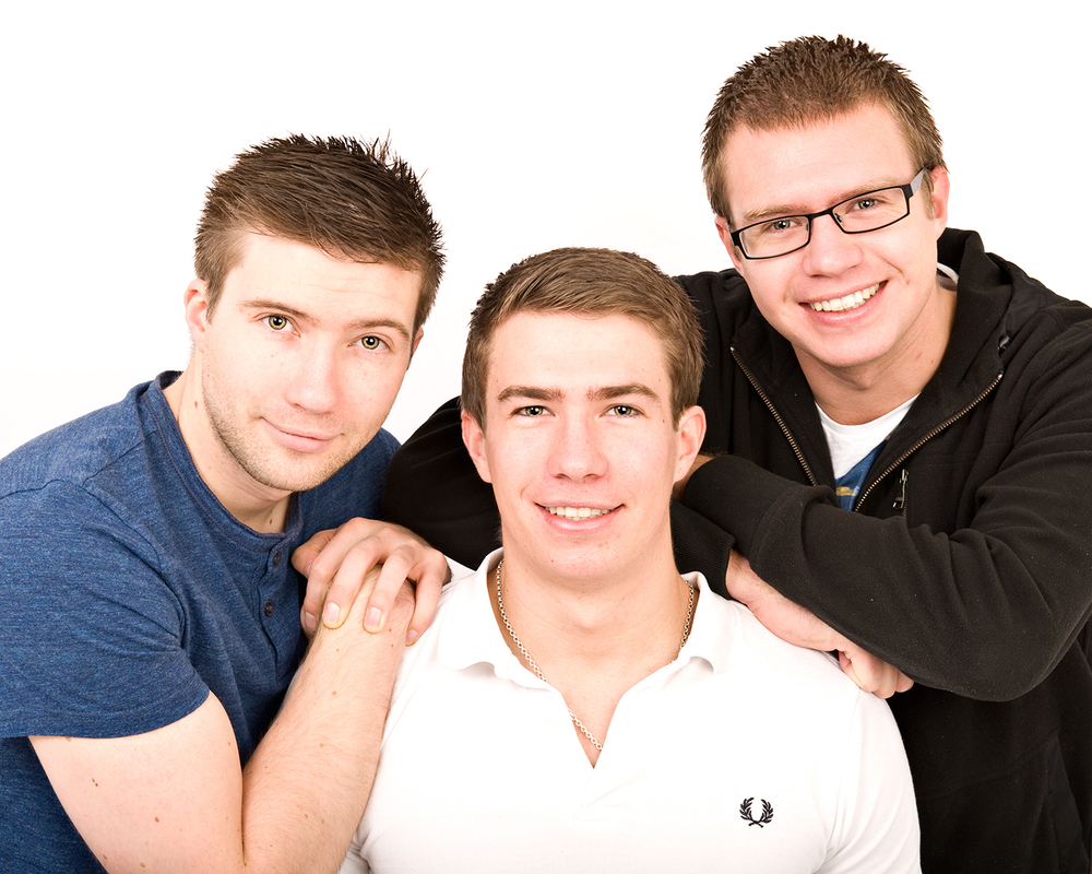 brother-family-photo-kent.jpg