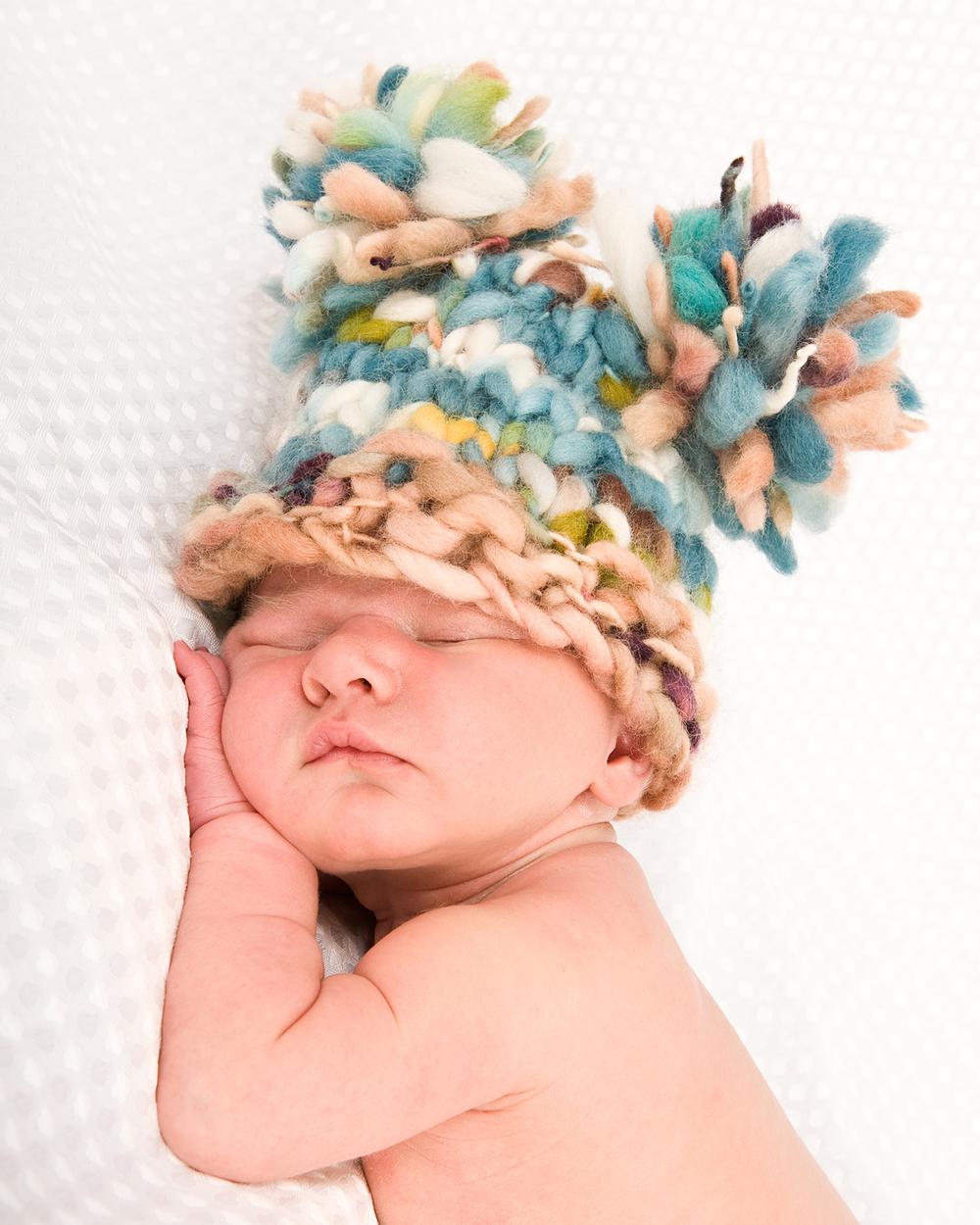 newborn-chunky hat-props-kent.jpg