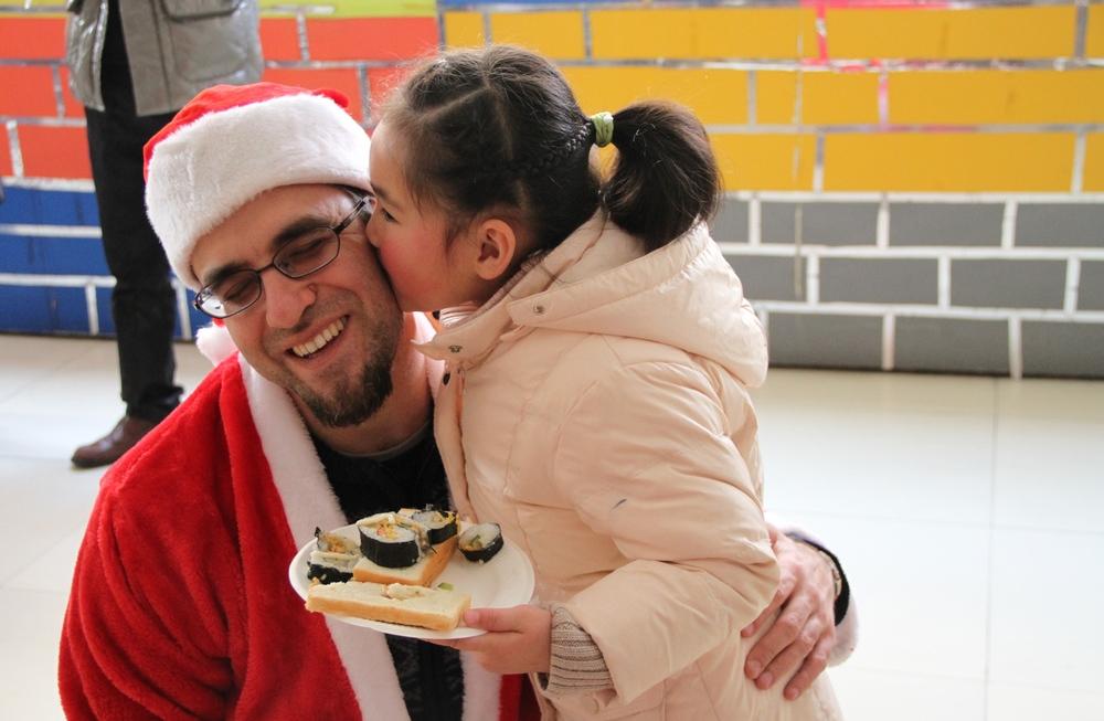 Kindergarten on Christmas--Yi Chang 2013