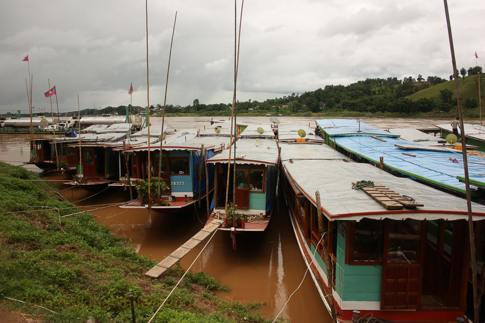 long-boats-mekong