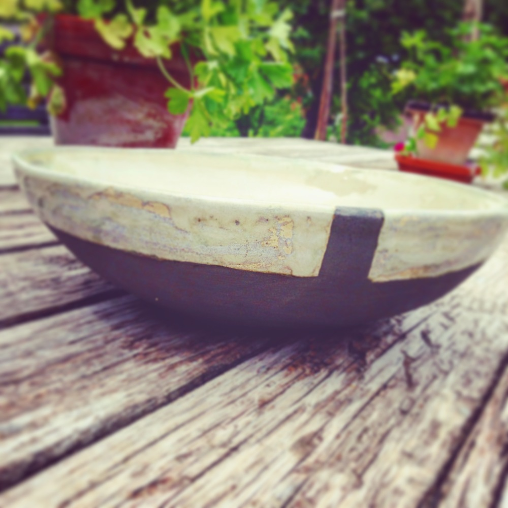 Serving bowl,  white stoneware 20% .2mm grog, 1250°
