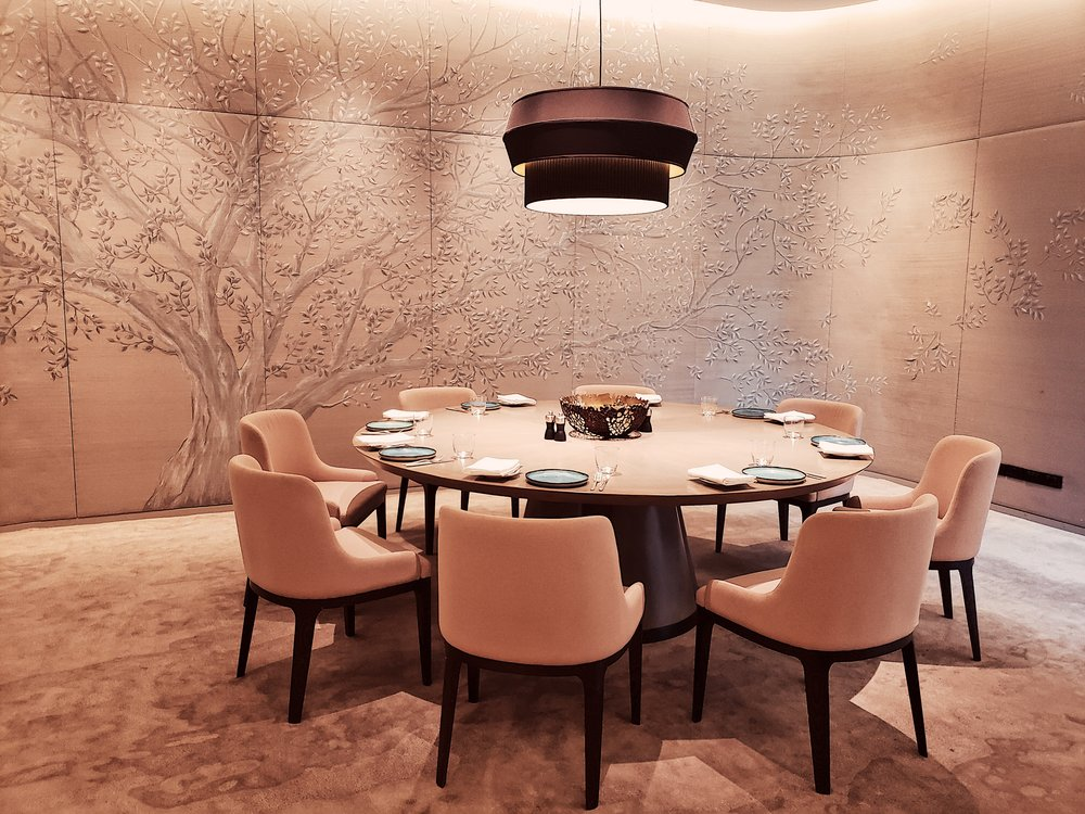 Another private dining area. So pretty, loved the wallpaper!
