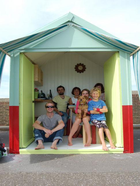 Square one design beach hut makeover 2008 square one for Beach hut designs interior