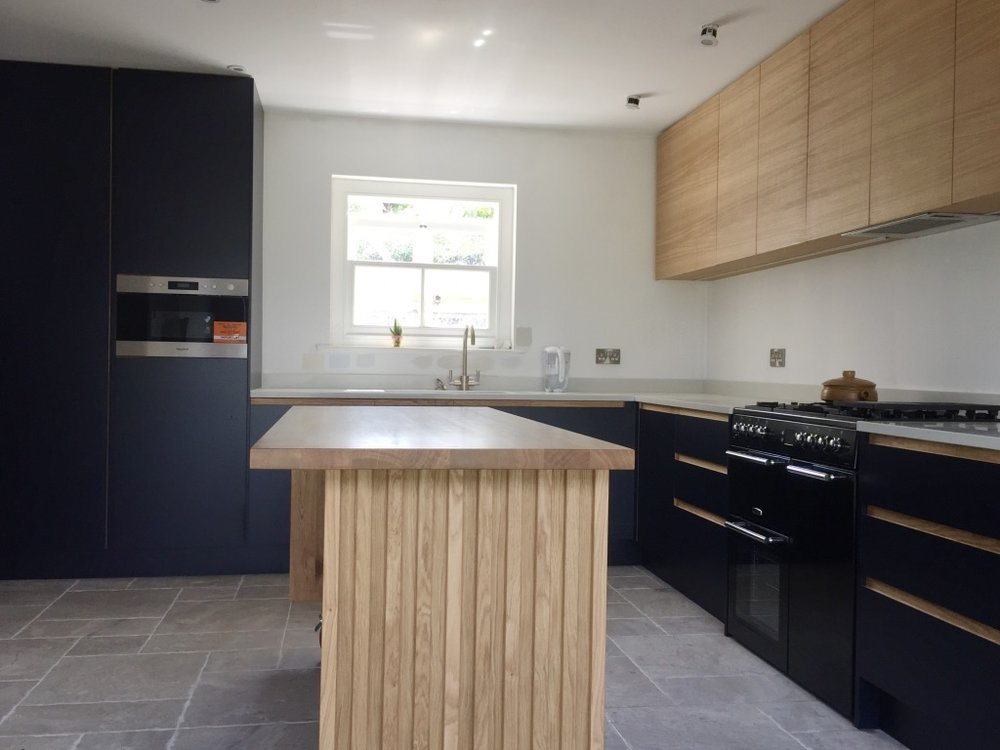 Island Kitchen unit with Nocturne Formica & Oak.jpg