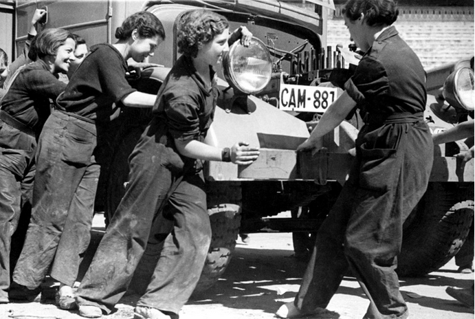 Mechanic members of Mujeres Libres, the anarchist women's organisation.  Image:   Libcom
