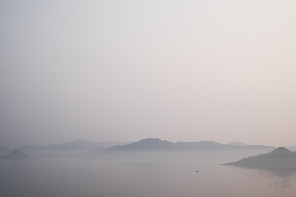 nicolaberryphotography_foggy landscape_hong kong.jpg