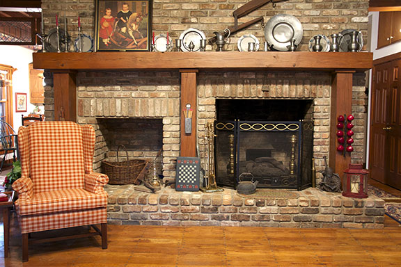 triton international woods reclaimed bricks rh tritoninternationalwoods com antique brick fireplace designs antique white brick fireplace