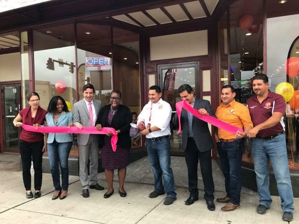 Mayor Spicer leads a ribbon cutting at Pollo Royal (18 Irving Street) in September 2018