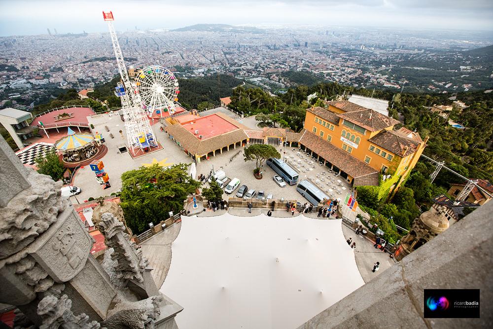 Vista desde el aire. Carpa Veleo en Temple Tibidabo Foto: Ricard Badia