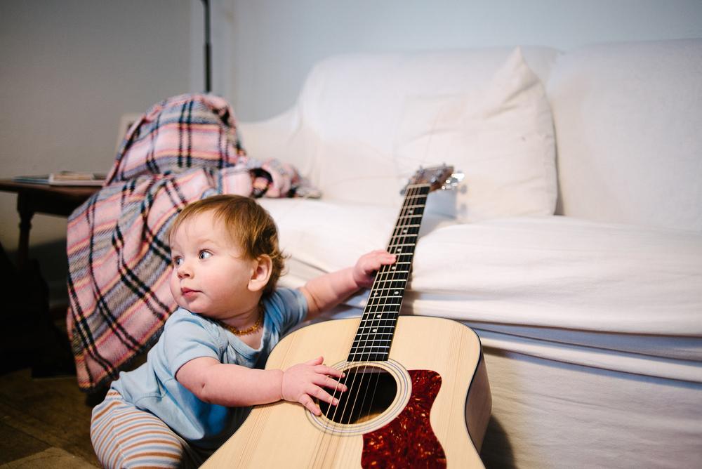 tiny-guitarist-4.jpg