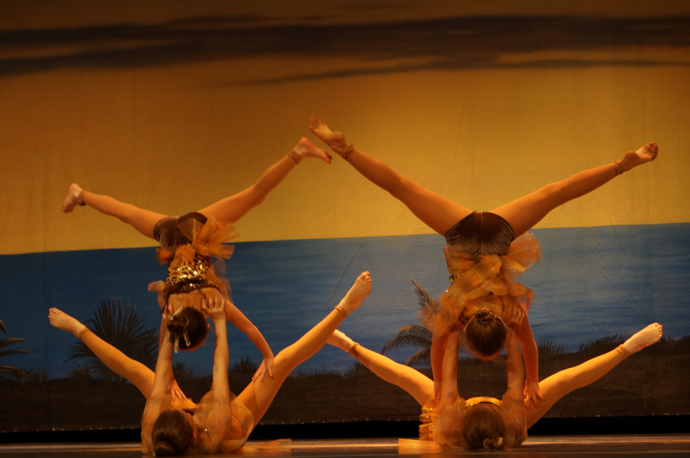 Elementary Acro at recital 2013