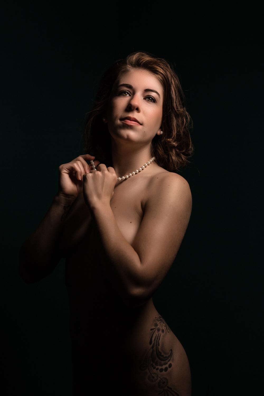 angelina jolie but ass naked