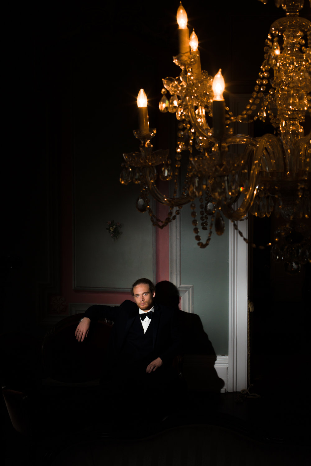 Groom portrait at Bleak House, a historic home in Knoxville, TN.