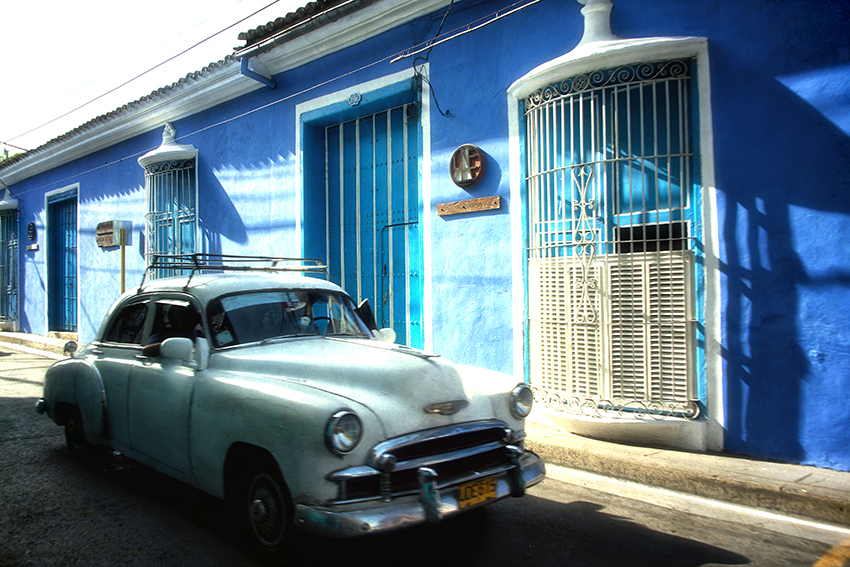 Jill_04 Havana-blue-houses-+-white-car.jpg