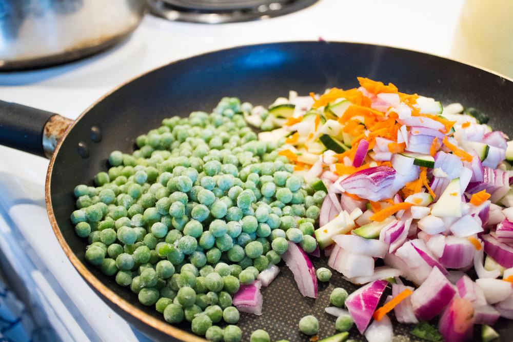 Bolandia Blogger Vancouver - Spicy Peanut Veggie Noodle Bowl-7715