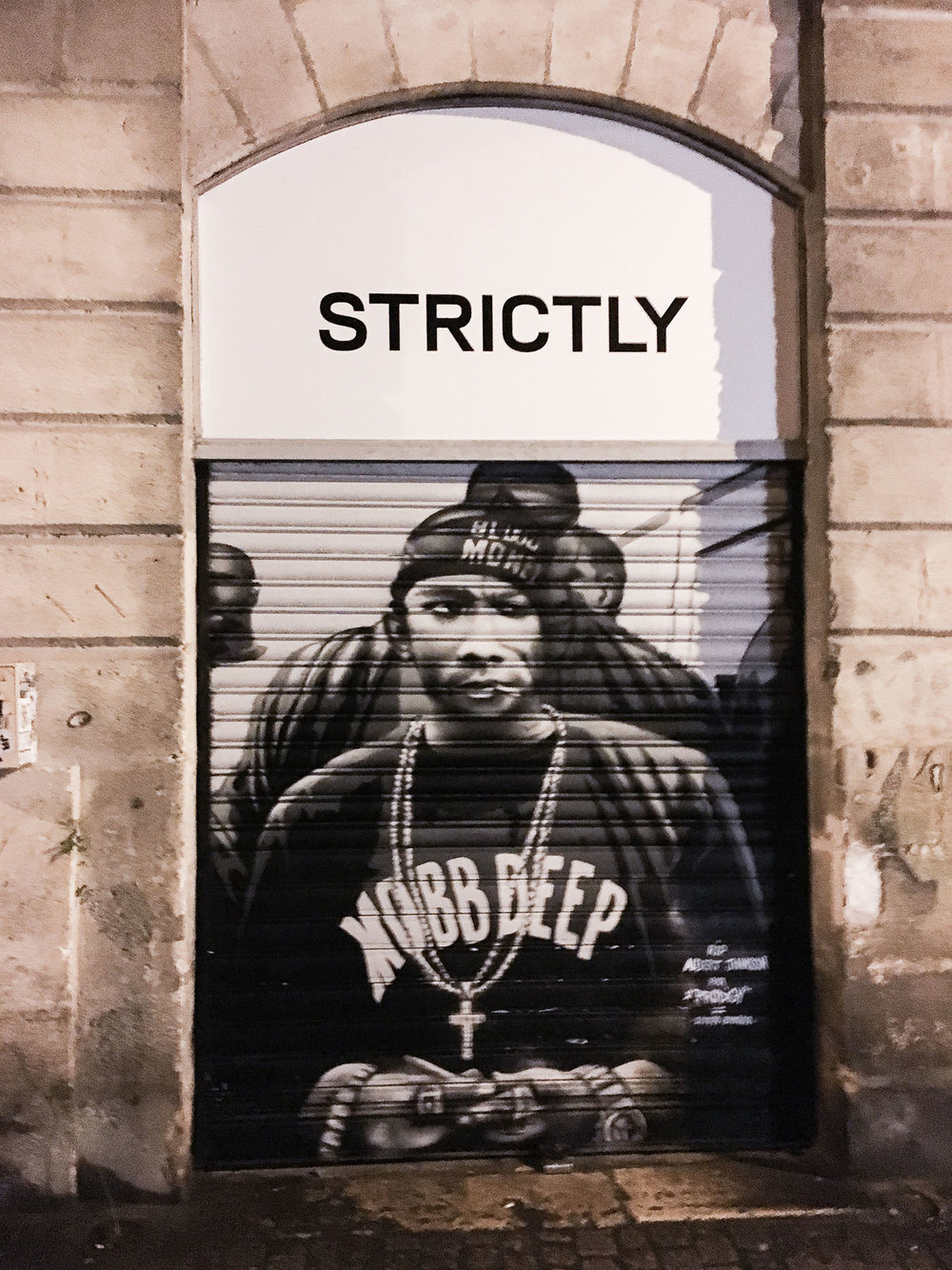 I happened to find a Mobb Deep mural in a random side street! The French love hiphop.. RIP Prodigy
