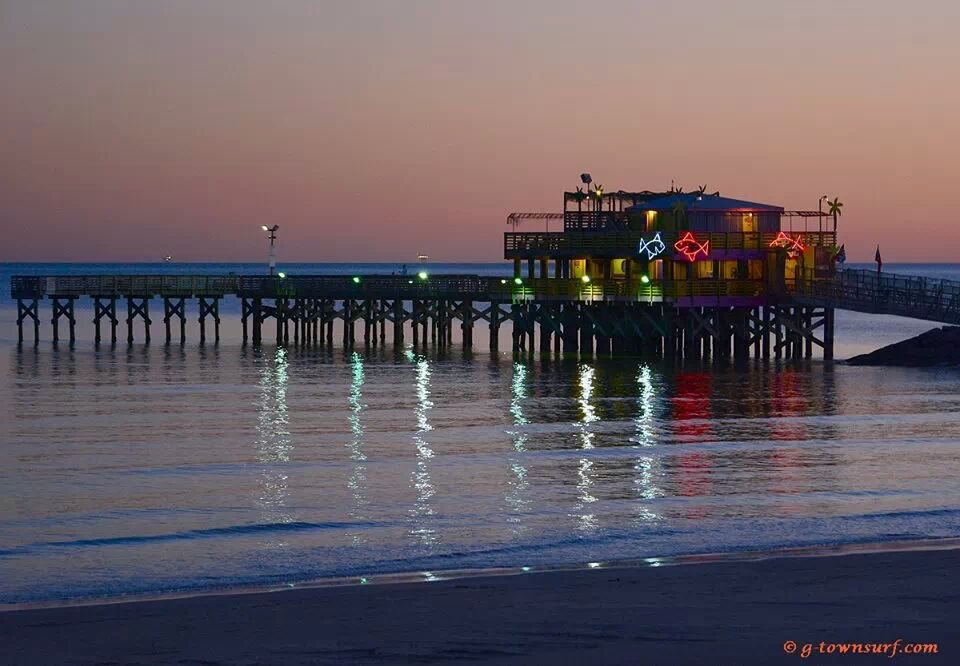 Main galveston 39 s 61st street fishing pier for Galveston fishing pier cam