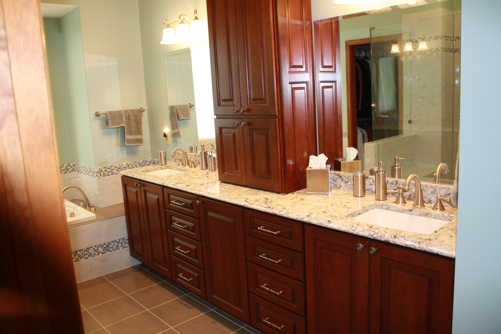 A picture of a bathroom remodeled in Cincinnati