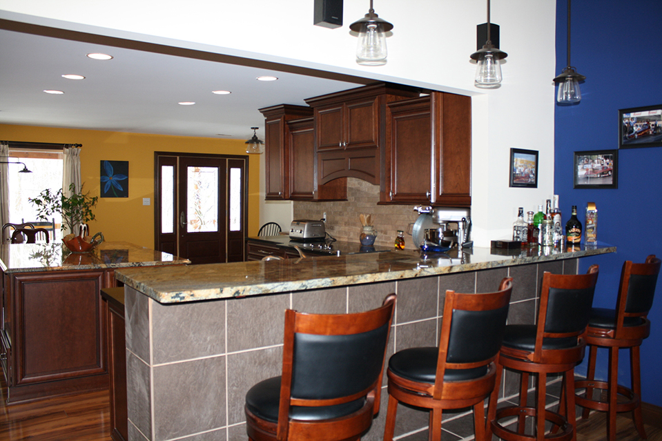 Breakfast Bar with Granite Top