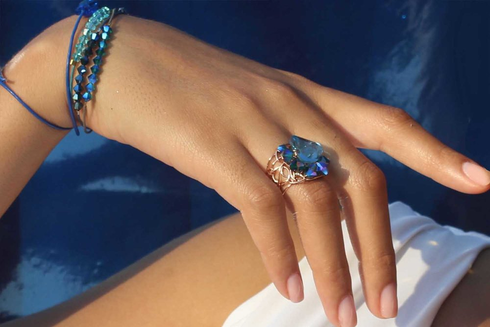 desideri+design+metallic+blue+crystals+jewelry+collection+of+rings+earring+necklaces+baracelettes.jpg