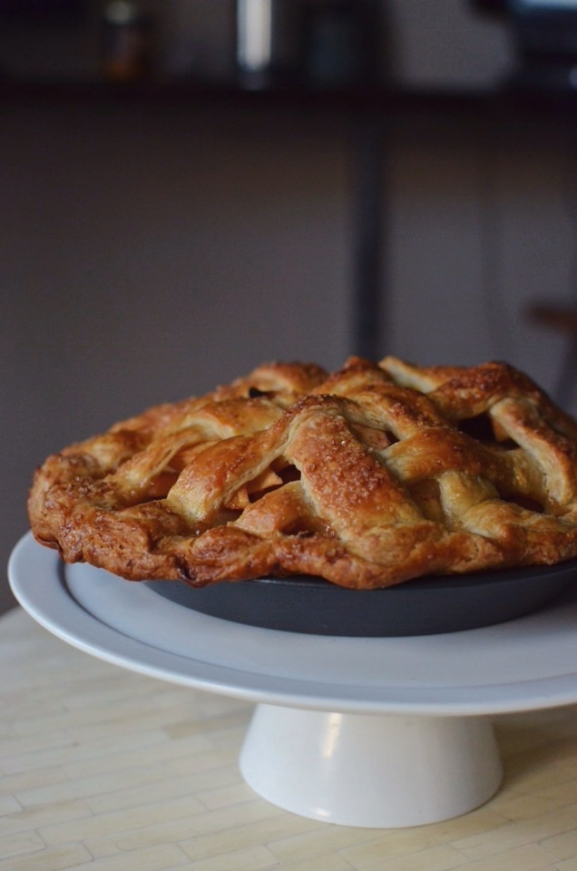 salted-caramel-apple-pie.jpg