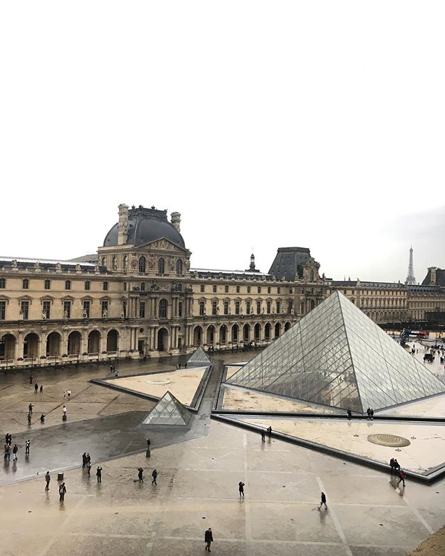 Louvre-ing France so far 🍷🥐🍾🐌🥖🇫🇷