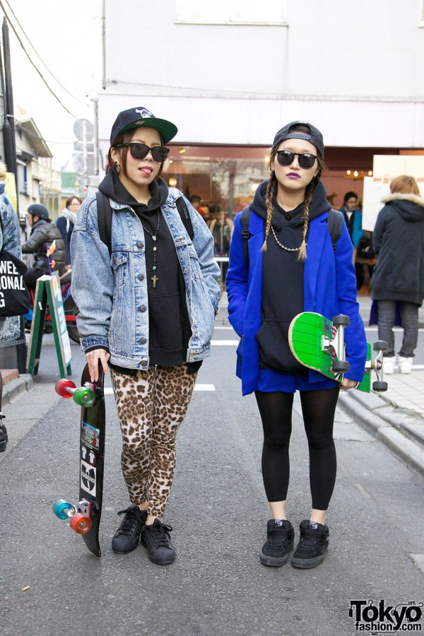 From: http://tokyofashion.com/harajuku-skateboard-girls-in-adidas-superstar-2-vans-sneakers/