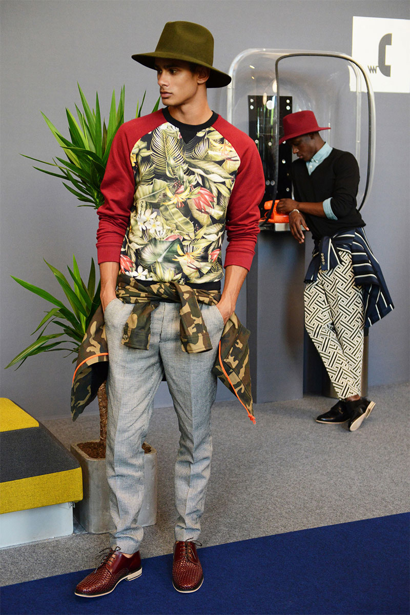 You know mixing unlikely patterns is my groove. He's just so... tropical! | From: amiparis.fr