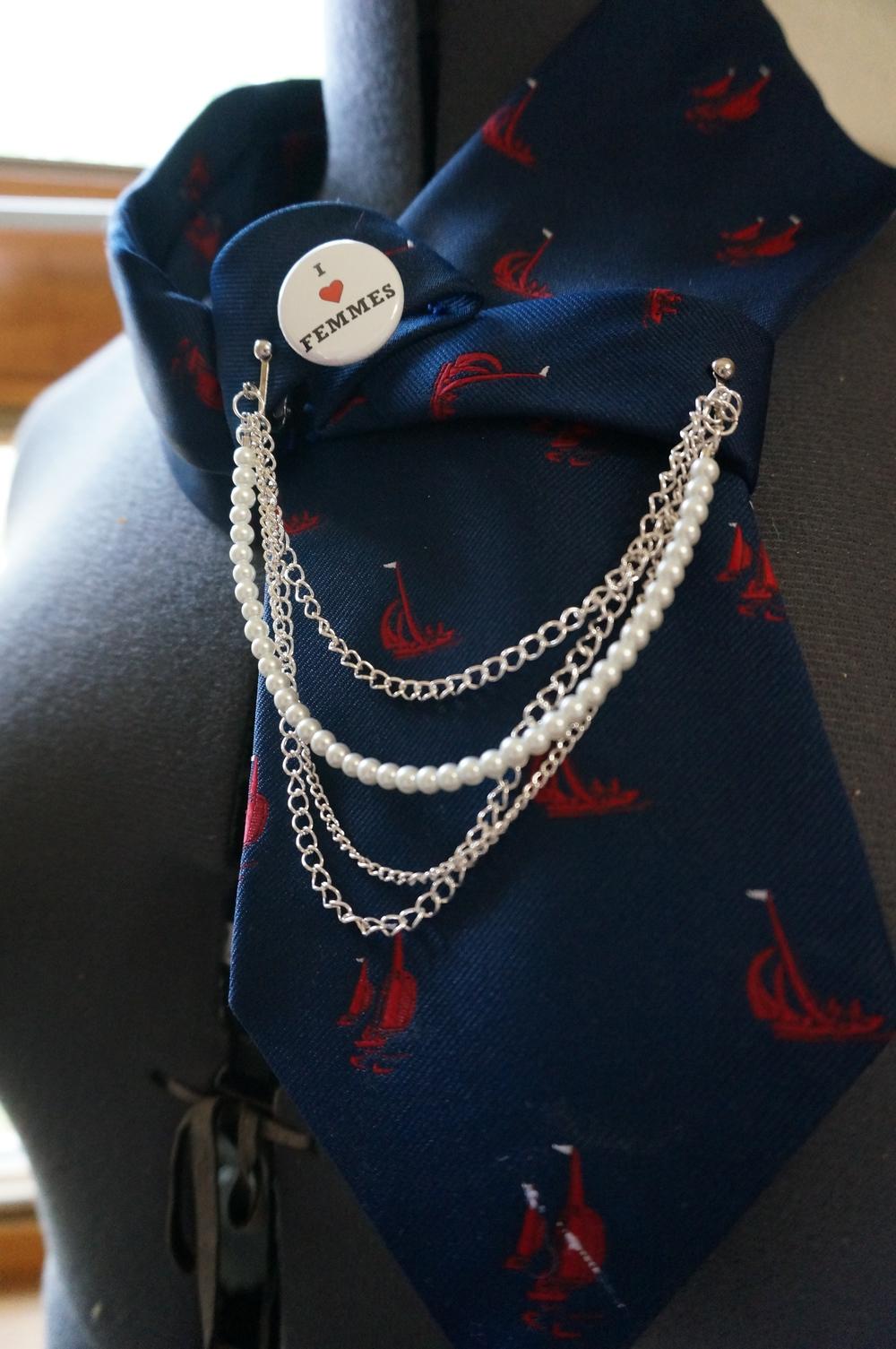 Baroness Sophia Designs art tie and chain Qwear