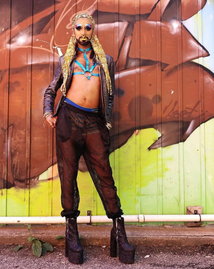 "By @ _humzer ""Just another twinky drag queen. 👳🌞🌞🌞🌞 • #ManghoeLassi  #pride2017  #torontopride  #turban  #harness  #pridemonth  #desidrag  #genderfuck  #beard  #qpoc  #lgbtq  #gay  #instagay """