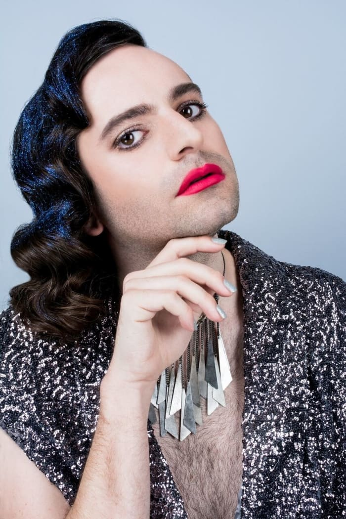 Sparkle & Glam - Model: Jacob TobiaMake up and glitter: Fluide beautySequined capelet: VintageNecklace: Target
