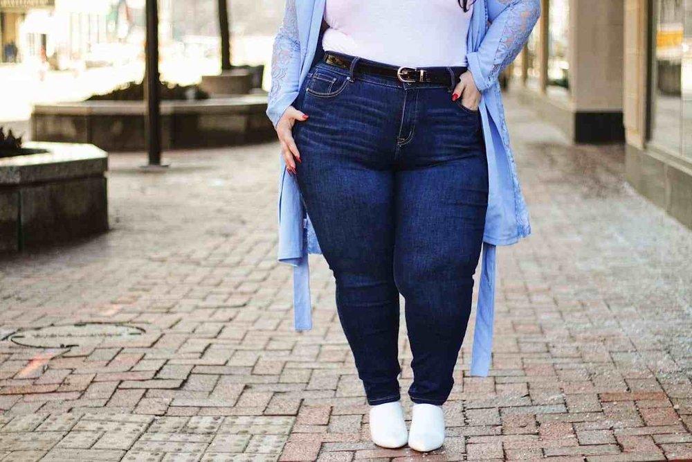 Alysse Dalessandro modeling Lane Bryant's  Essential High-Rise Skinny Jean