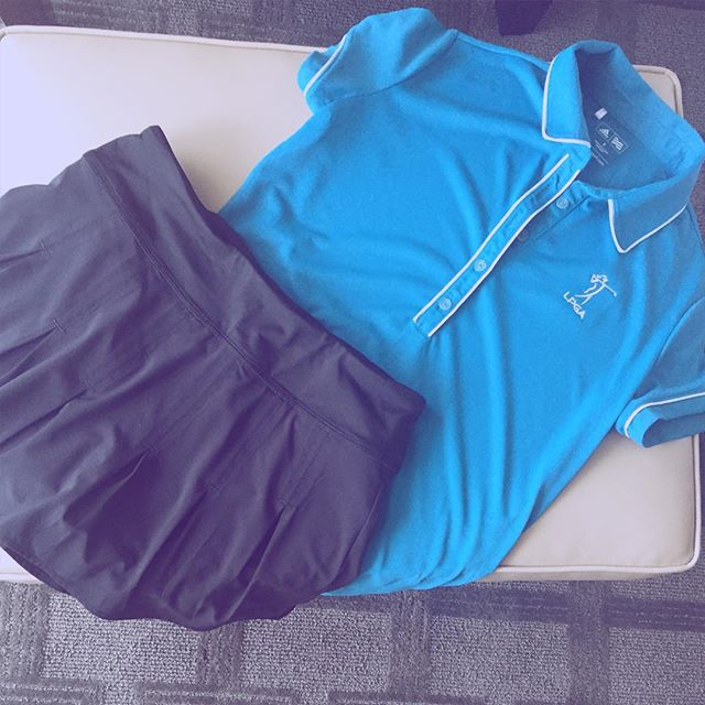 Day 4 outfit: black and blue! Shirt by @adidasgolf. Skort @athleta. #lpga #golf #amyrogers #yoursundaybag #blog