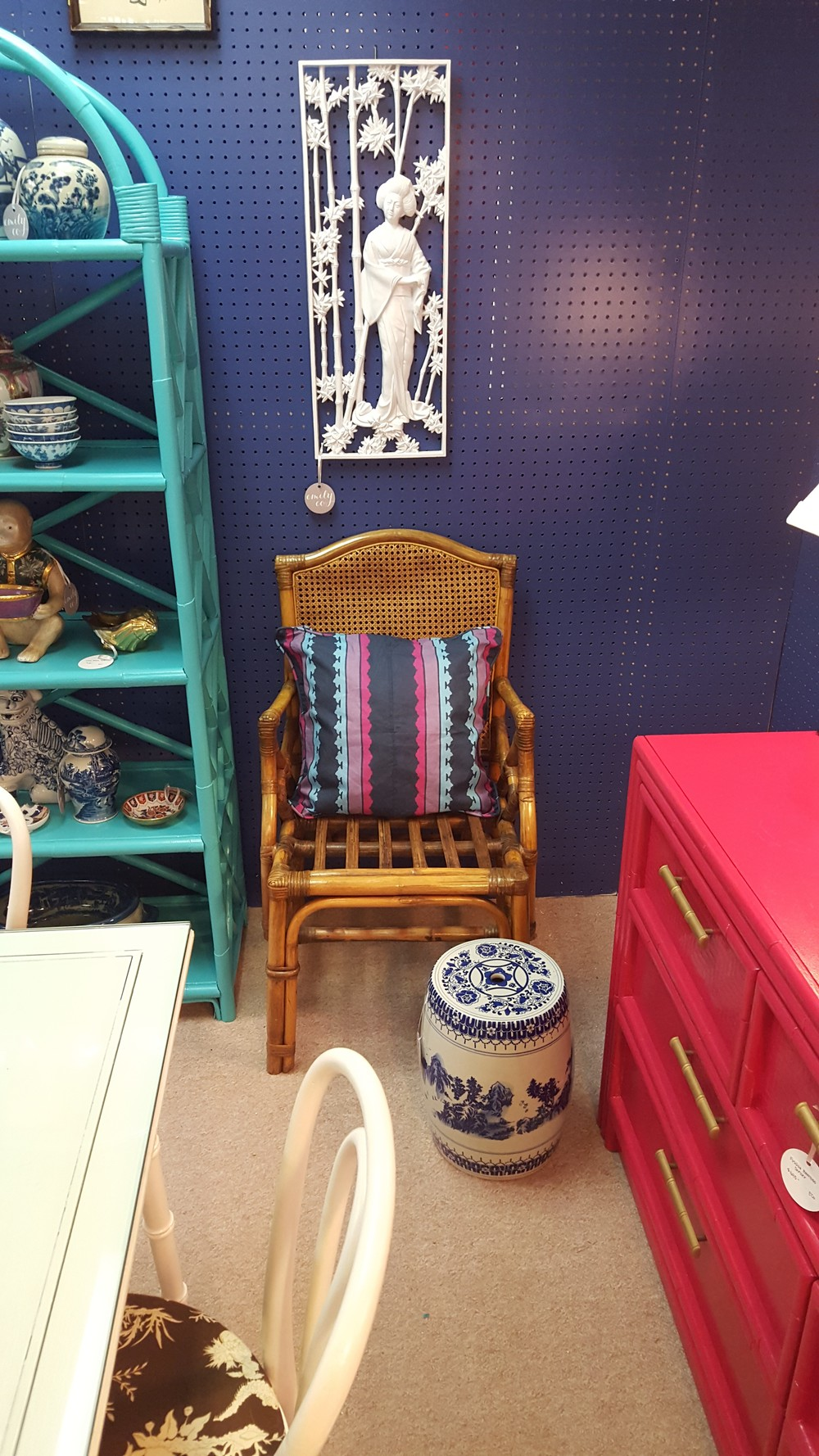 Don't you just LOVE the glossy indigo? SW Indigo, if you want to duplicate the look in your own space!