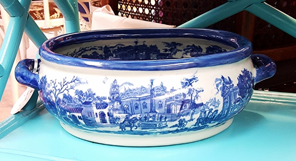 Soup tureen currently available at Cheshire Cat in Raleigh, call 919.835.9595 for details!