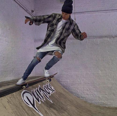 justin-bieber-skateboarding-coco-chanel.jpg