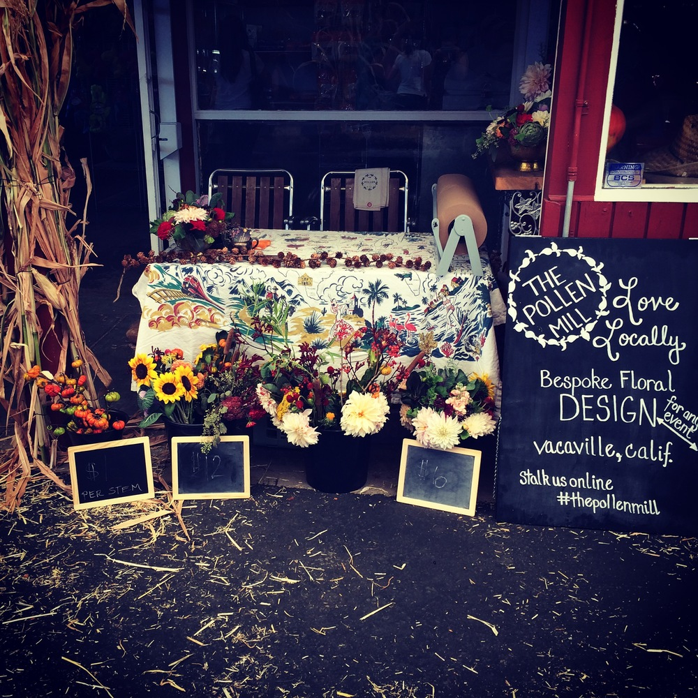 We celebrated the grand opening of Sweet Pea's with a pop-up floral shop.