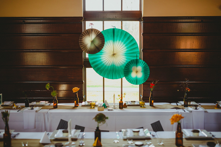 The head table with framed with paper spheres was just so sweet.