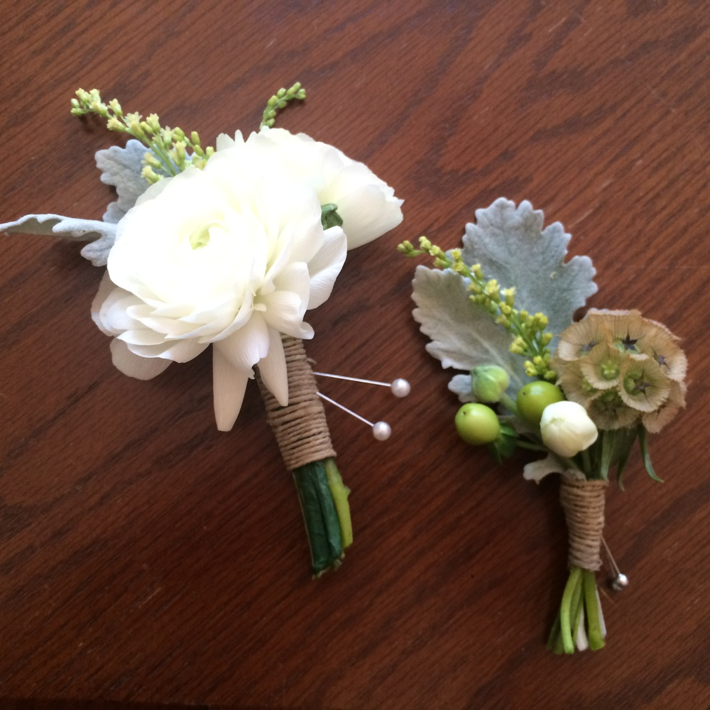 A couple classic and simple white and twine boutonniere & corsages for a warm spring wedding. Event: Wedding, Park Winters, Winters, CA