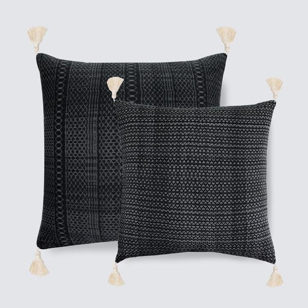 amarrado pillow