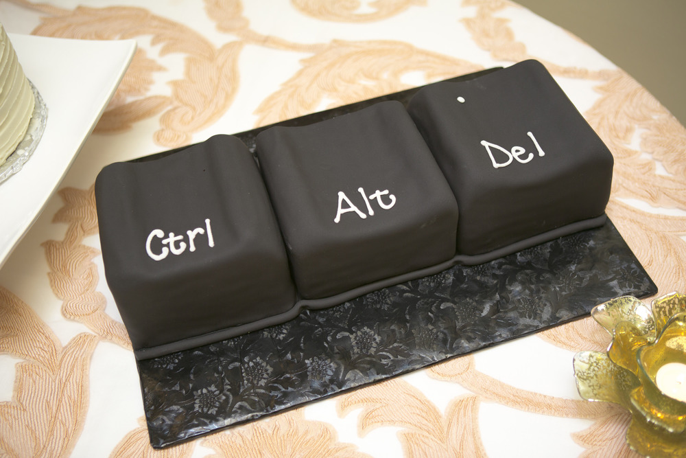 the groom's cake also by confection perfection was an homage to david's techie background!  how fun?!