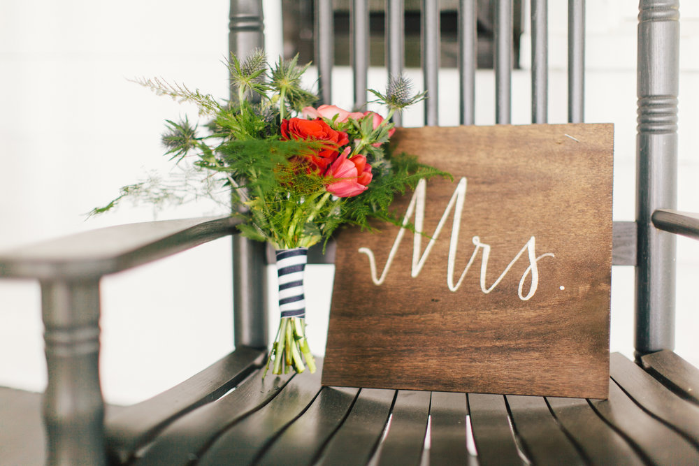 Mr & Mrs Chair Signs